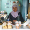 Ban Krua, Muslim district in Bangkok, lady selling some thai dessert - Laetitia Botrel | Photography