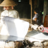 Rice craker maker in Cantho, Vietnam - Laetitia Botrel | Photography